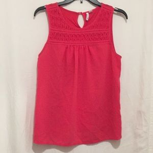 Elle sleeveless Medium button at back Hot pink